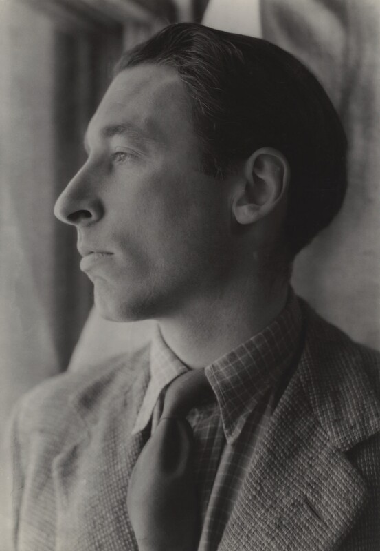 (Frederick) Louis MacNeice, by Howard Coster, 1942 - NPG x22811 - © National Portrait Gallery, London