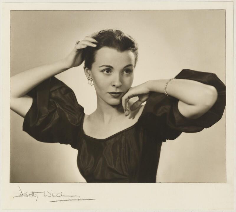 Claire Bloom, by Dorothy Wilding, 1952 - NPG P870(1) - © William Hustler and Georgina Hustler / National Portrait Gallery, London