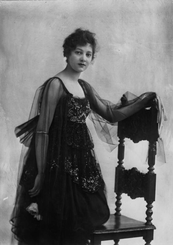 Gertrude Lawrence, by Bassano Ltd, March 1917 - NPG x30638 - © National Portrait Gallery, London