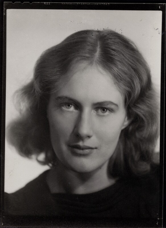 Ann Davies Synge (née Stephen), by Ramsey & Muspratt, 1937 - NPG x31090 - © Peter Lofts Photography / National Portrait Gallery, London