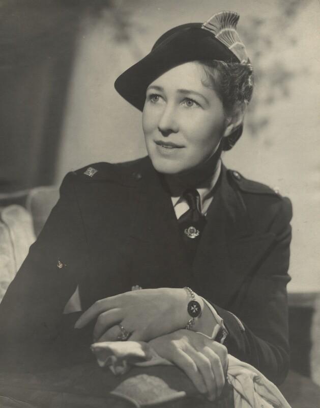Anna Zinkeisen, by Fred Daniels, circa 1943 - NPG x32916 - © Estate of Fred Daniels / National Portrait Gallery, London