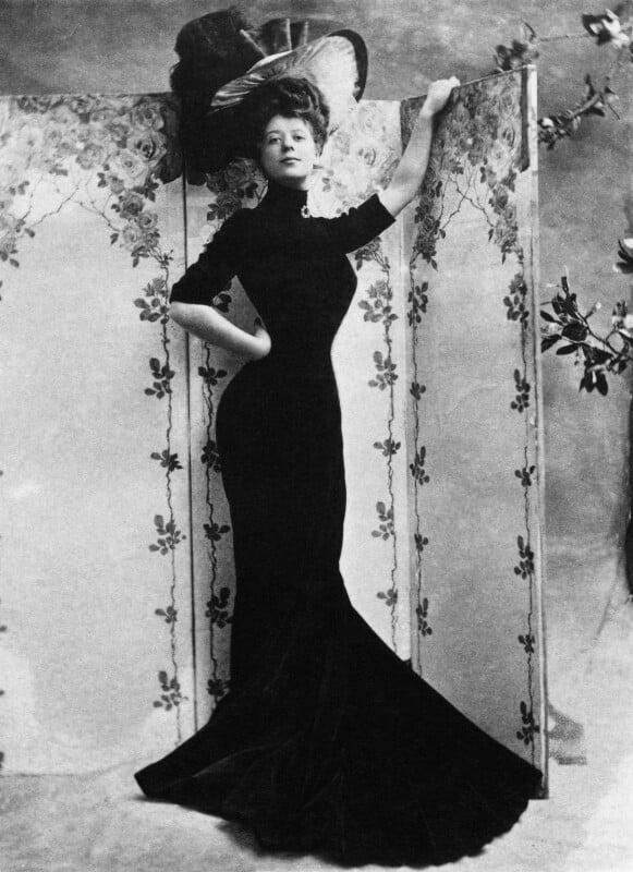 Camille Clifford (Camilla Antoinette Clifford), by Bassano Ltd, 1906 - NPG x19098 - © National Portrait Gallery, London