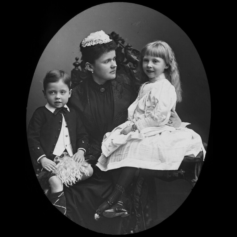 Princess Helen, Duchess of Albany with her children, by York & Son, after  Unknown photographer, 1890s (late 1880s) - NPG x3619 - © National Portrait Gallery, London