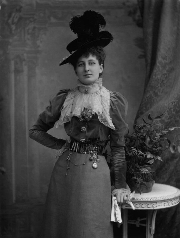 Hon. Elaine Augusta Villiers (née Guest, later Hon. Mrs Hunter), by Alexander Bassano, 1898 - NPG x4222 - © National Portrait Gallery, London