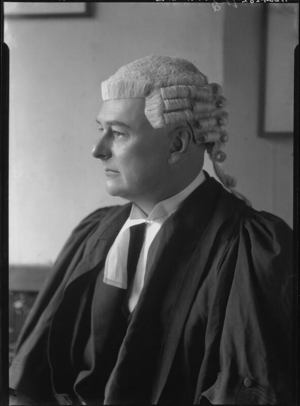 Frank Theodore Alpe, by Lafayette (Lafayette Ltd), 18 October 1928 - NPG x42914 - © National Portrait Gallery, London