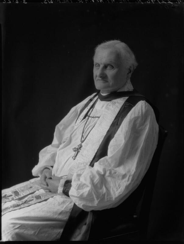 Robert Edward Trefusis, by Lafayette, 3 June 1926 - NPG x48796 - © National Portrait Gallery, London