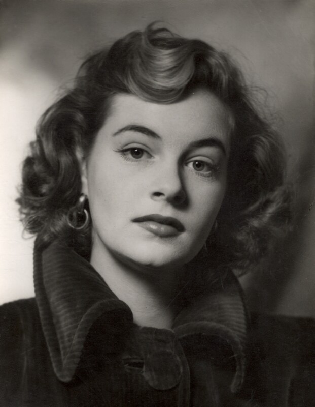 Sally Pearson (née Cooper), by Vivienne, 1948-1955 - NPG x87918 - © reserved; collection National Portrait Gallery, London