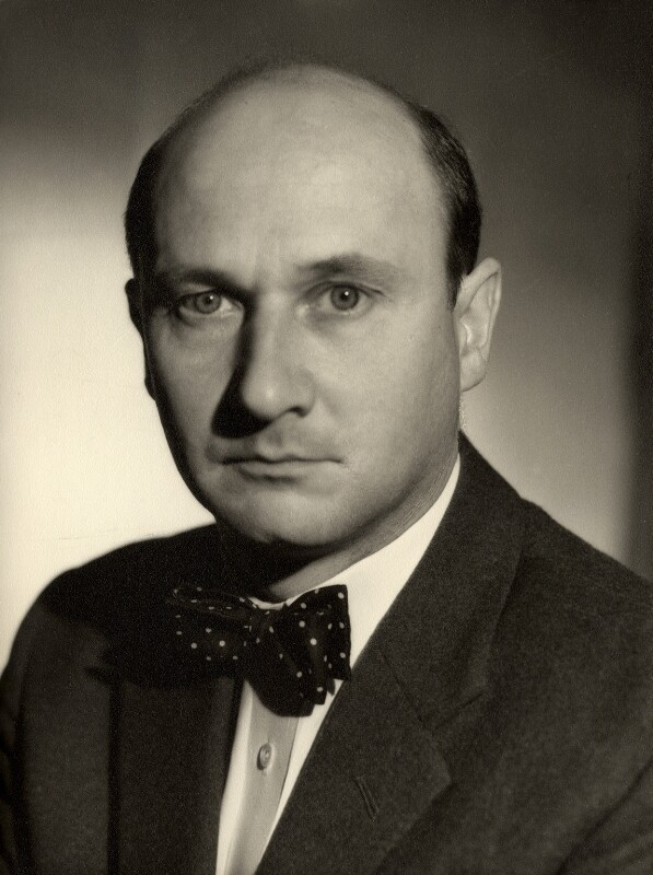 Donald Pleasence, by Vivienne, 1960s - NPG x88010 - © reserved; collection National Portrait Gallery, London