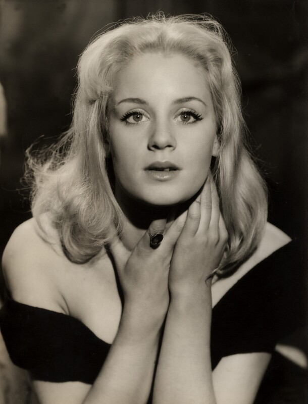 Mary Ure, by Vivienne, circa 1956 - NPG x88036 - © reserved; collection National Portrait Gallery, London