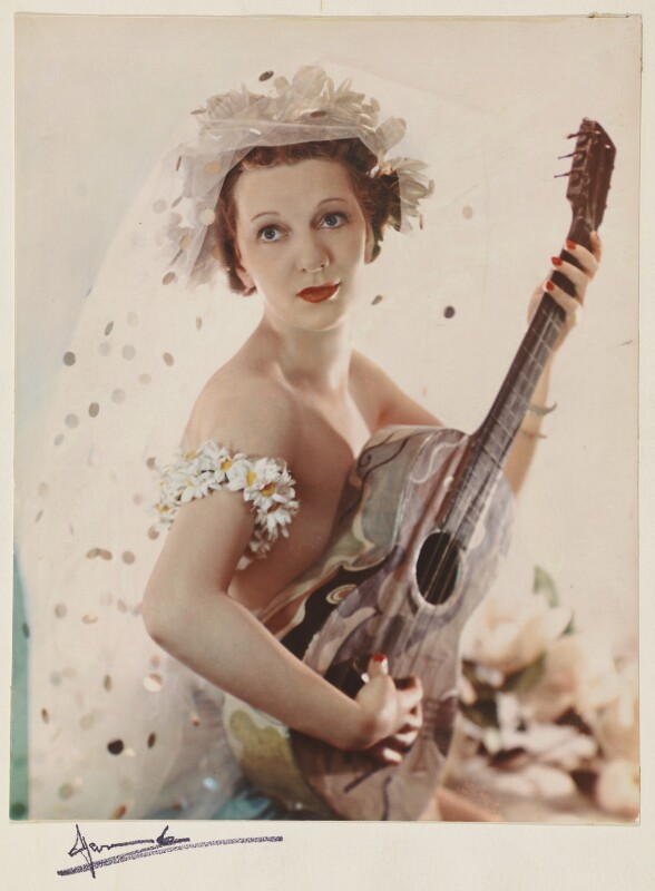 Gertrude Lawrence possibly as the Muse of Comedy, by Madame Yevonde, July 1936 - NPG P871(2) - © Yevonde Portrait Archive