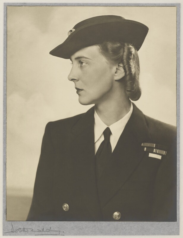 Princess Marina, Duchess of Kent, by Dorothy Wilding, 1940 - NPG P870(11) - © William Hustler and Georgina Hustler / National Portrait Gallery, London