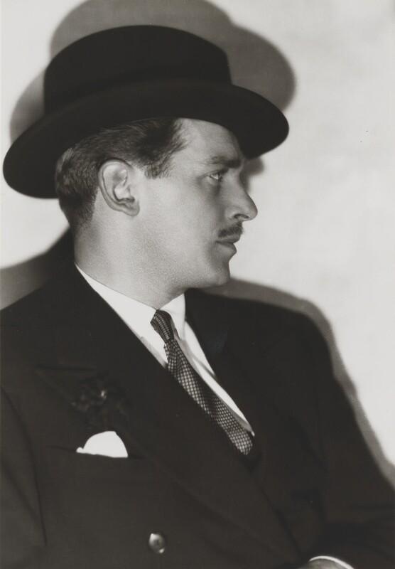 Douglas Fairbanks Jr, by Dorothy Wilding, 1934 - NPG x16199 - © William Hustler and Georgina Hustler / National Portrait Gallery, London