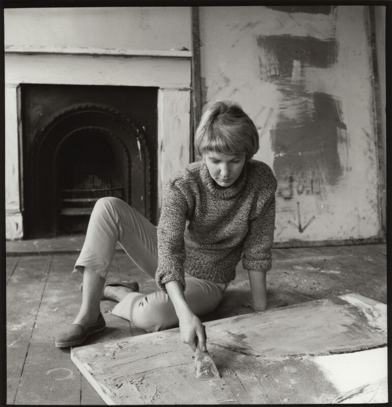 Sandra Blow, by Ida Kar, 1955 - NPG x31618 - © National Portrait Gallery, London