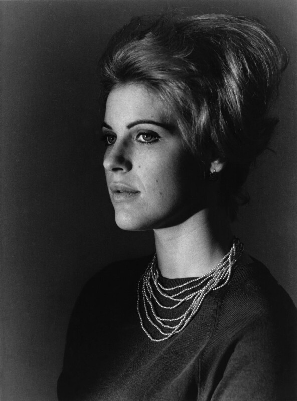 Pauline Boty, by Michael Ward, 29 October 1963 - NPG x46672 - © Michael Ward Archives / National Portrait Gallery, London