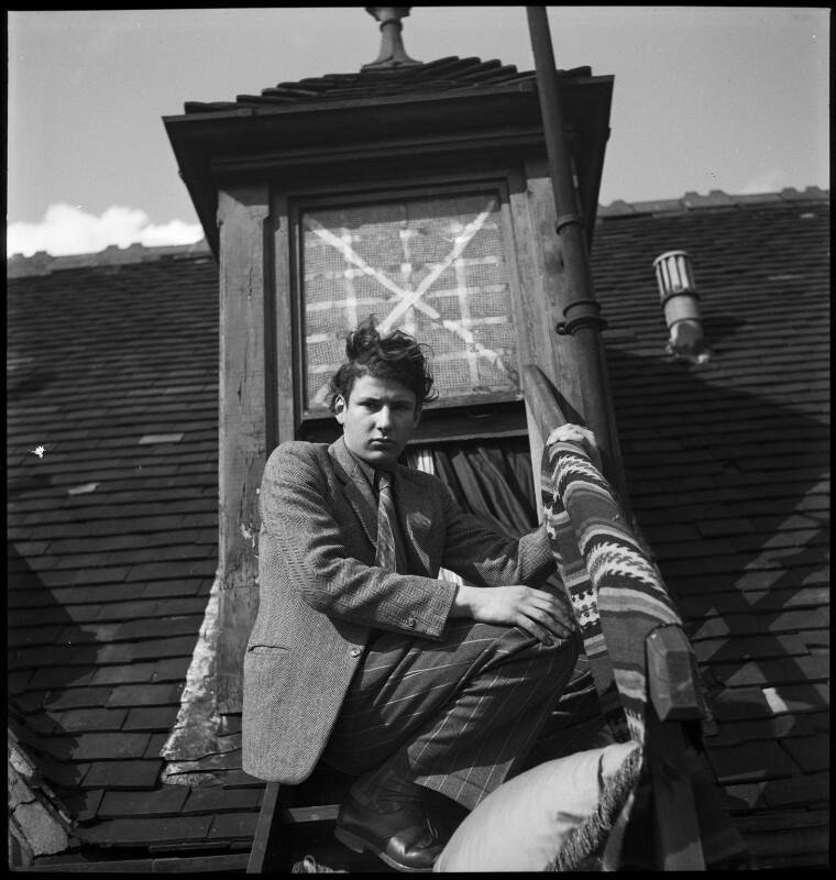 Lucian Freud, by Francis Goodman, circa 1945 - NPG x81760 - © National Portrait Gallery, London