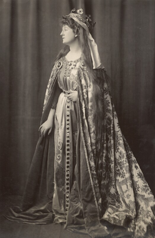 Priscilla Cecilia (née Moore), Countess Annesley as Queen Eleanor of Castile, by H. Walter Barnett, 1904 - NPG x45398 - © National Portrait Gallery, London