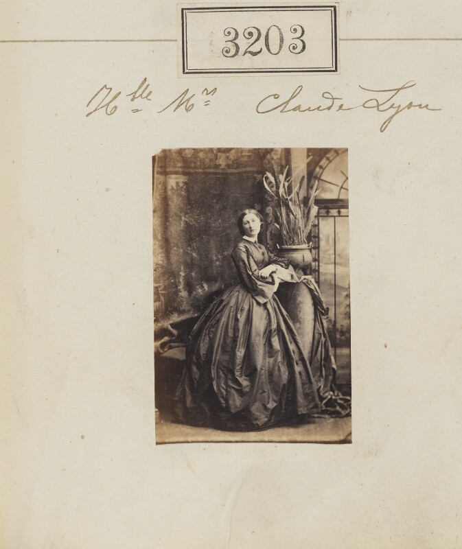 Frances Dora (née Smith), Countess of Strathmore and Kinghorne, by Camille Silvy, 21 April 1861 - NPG Ax52603 - © National Portrait Gallery, London