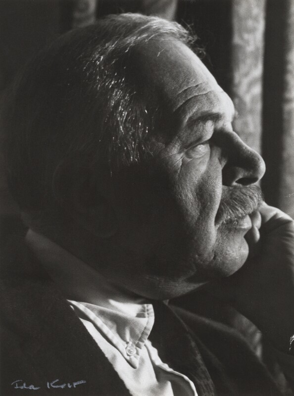 Ben Shahn, by Ida Kar, late 1950s - NPG x132748 - © National Portrait Gallery, London