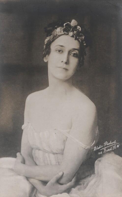 Tamara Karsavina, by Blake Studios, early 1920s - NPG x133148 - © National Portrait Gallery, London