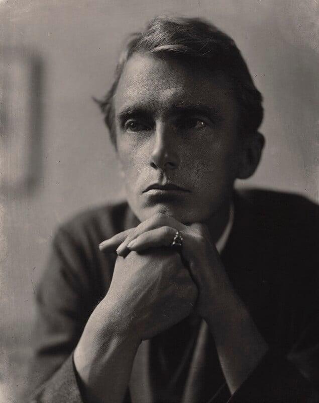 Edward Thomas, by E.O. Hoppé, 1911 - NPG x132915 - © 2019 E.O. Hoppé Estate Collection / Curatorial Assistance Inc.