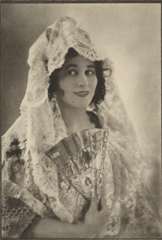 Carmen Tórtola Valencia, by Emil Otto ('E.O.') Hoppé, 1910 - NPG Ax132935 - © 2017 E.O. Hoppé Estate Collection / Curatorial Assistance Inc.