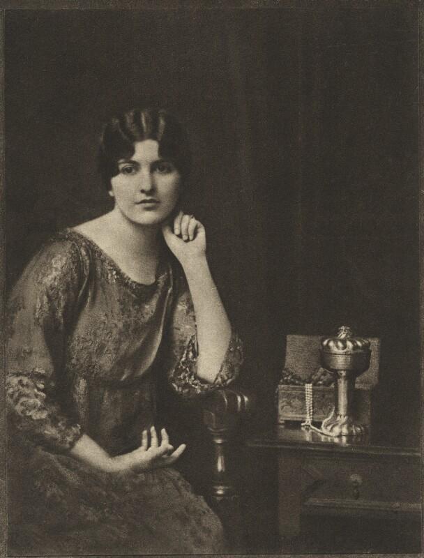 Maria Isabel Regina Aspasia Vaughan (née de Bittencourt), Countess of Lisburne, by E.O. Hoppé, 26 November 1916 - NPG Ax132950 - © 2018 E.O. Hoppé Estate Collection / Curatorial Assistance Inc.