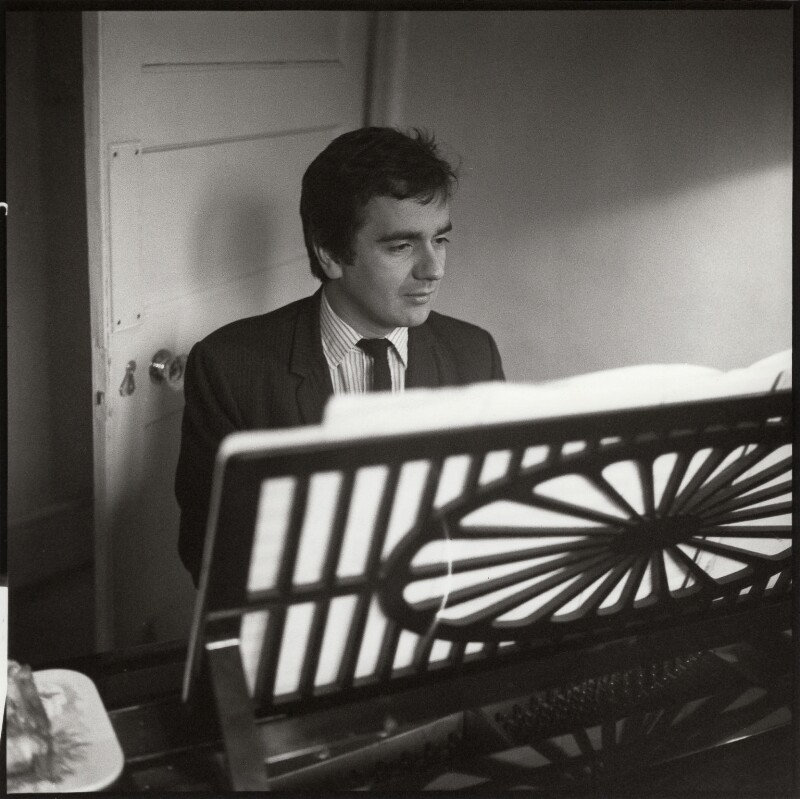 Dudley Moore, by Ida Kar, circa 1960 - NPG x132987 - © National Portrait Gallery, London