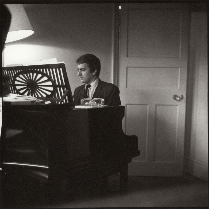 Dudley Moore, by Ida Kar, circa 1960 - NPG x132988 - © National Portrait Gallery, London