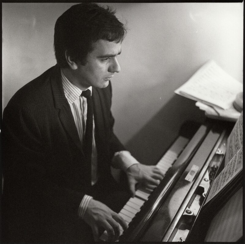 Dudley Moore, by Ida Kar, circa 1960 - NPG x132989 - © National Portrait Gallery, London