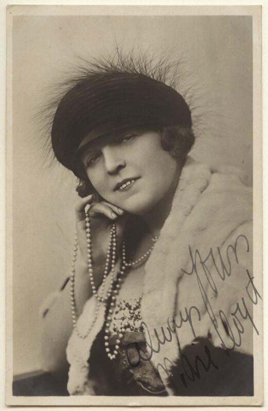 Marie Lloyd, by Foulsham & Banfield, 1900s - NPG Ax160009 - © National Portrait Gallery, London