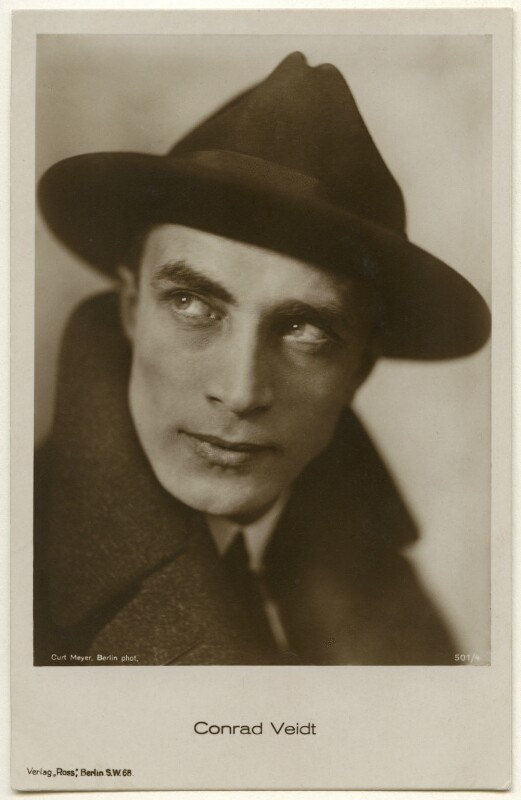 Conrad Veidt, by Curt Meyer, published by  Ross-Verlag, late 1920s - NPG Ax160463 - © National Portrait Gallery, London