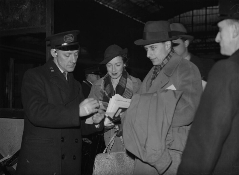 Phyllis Konstam and Bunny Austin leaving Victoria Station for the Riviera, by Reg Sayers, for  Daily Herald, 16 January 1938 - NPG x135033 - © Science & Society Picture Library / National Portrait Gallery, London