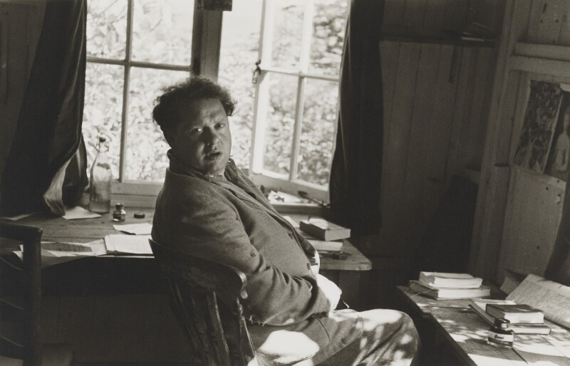 Dylan Thomas, by Rollie McKenna, September 1953 - NPG P1683 - © Rosalie Thorne McKenna Foundation; Courtesy Center for Creative Photography, University of Arizona Foundation