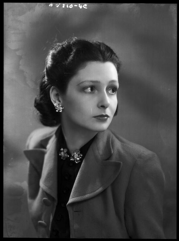 Lady Elizabeth Hester Mary von Hofmannsthal (née Paget), by Bassano Ltd, 18 April 1939 - NPG x156219 - © National Portrait Gallery, London