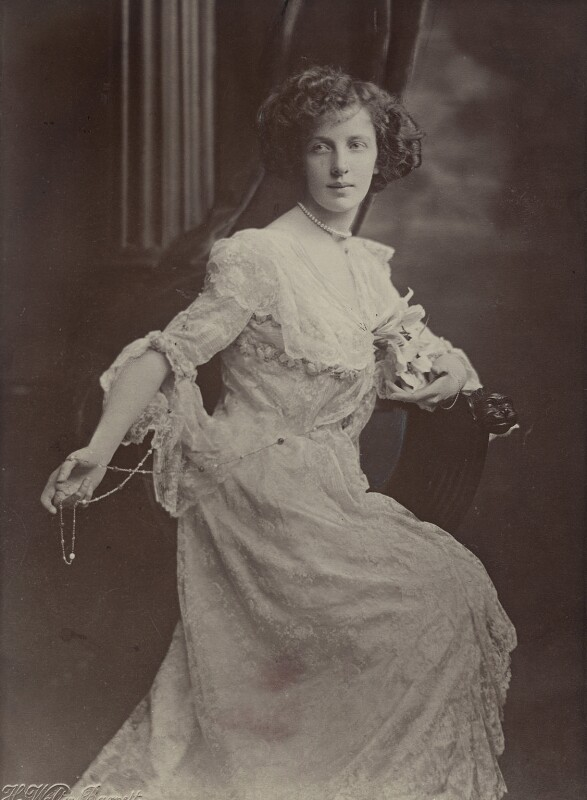 Lilian Florence Maud Paget (née Chetwynd), Marchioness of Anglesey (later Gilliat), by Henry Walter ('H. Walter') Barnett, 1902 - NPG x135367 - © National Portrait Gallery, London