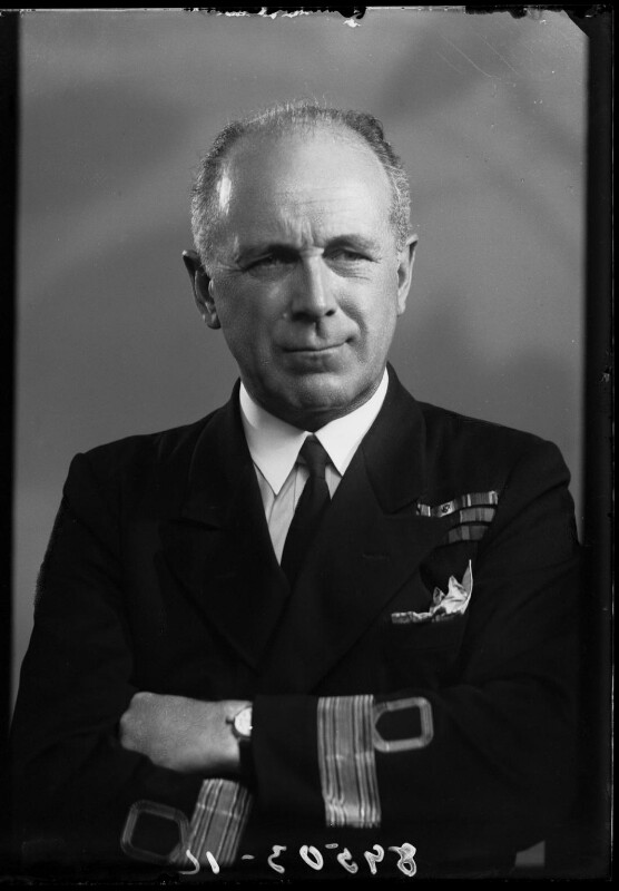 Francis Richard Henry Penn Curzon, 5th Earl Howe, by Bassano Ltd, 26 July 1943 - NPG x178718 - © National Portrait Gallery, London