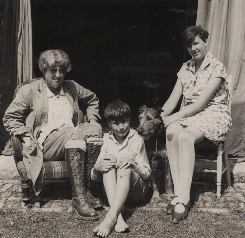 Ray Strachey; Christopher Strachey; Barbara Strachey, by Special Press, 1928 - NPG Ax161158 - © National Portrait Gallery, London