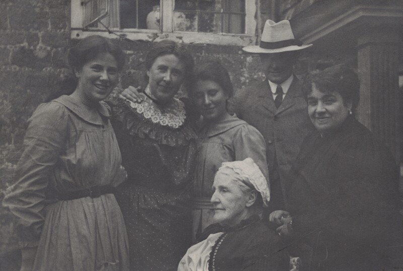 Ray, Mary, Karin, Logan, Lady Henry Somerset and H.W.S., by Unknown photographer, 1904 - NPG Ax160716 - © National Portrait Gallery, London