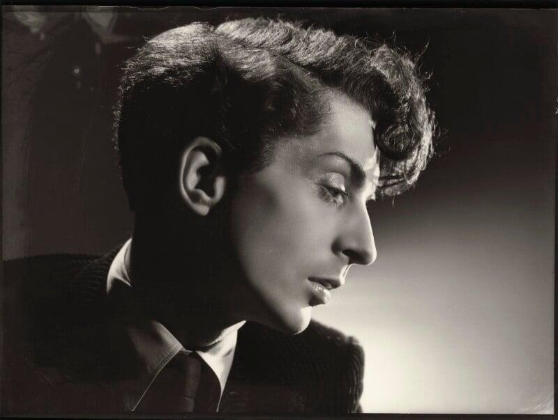 Quentin Crisp, by Angus McBean, 1941 - NPG x135799 - © estate of Angus McBean / National Portrait Gallery, London