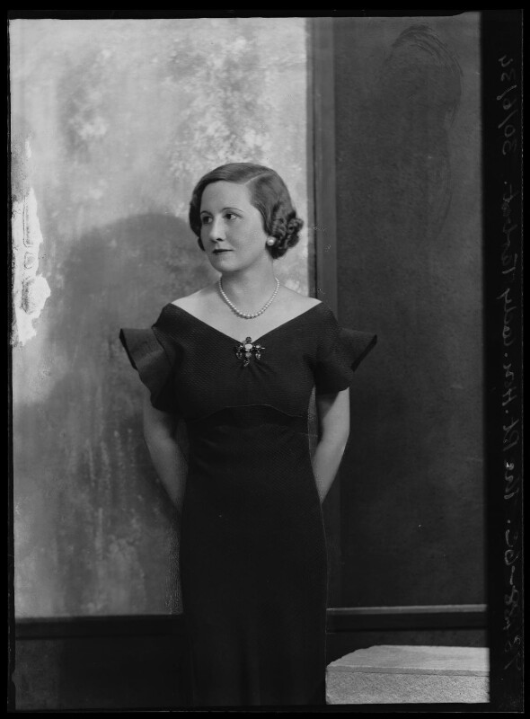 Dorothy (née Downing, later Gundersen), Viscountess Tarbat, by Bassano Ltd, 30 June 1934 - NPG x105046 - © National Portrait Gallery, London
