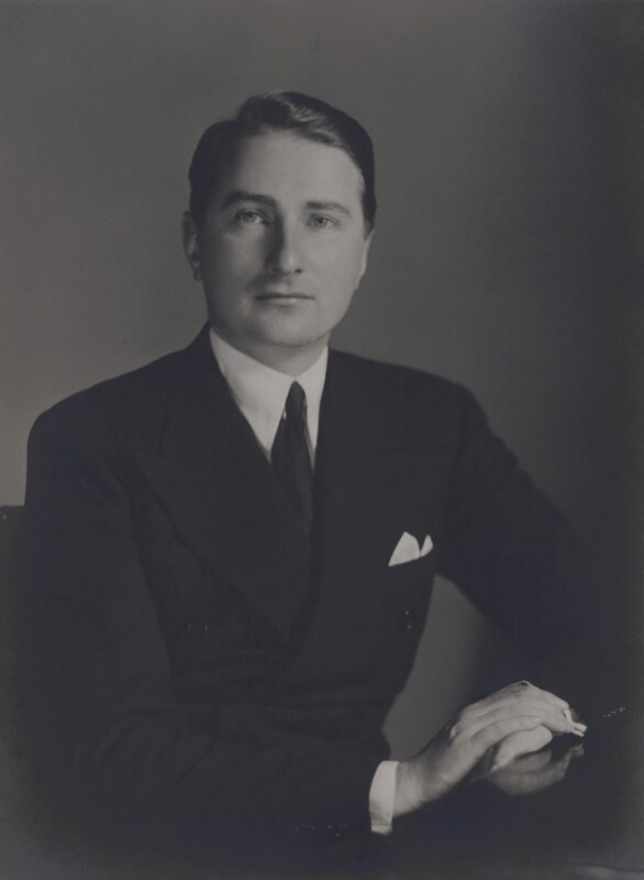 (Alexander) Gavin Henderson, 2nd Baron Faringdon, by Elliott & Fry, for  Walter Stoneman, November 1934 - NPG x167485 - © National Portrait Gallery, London