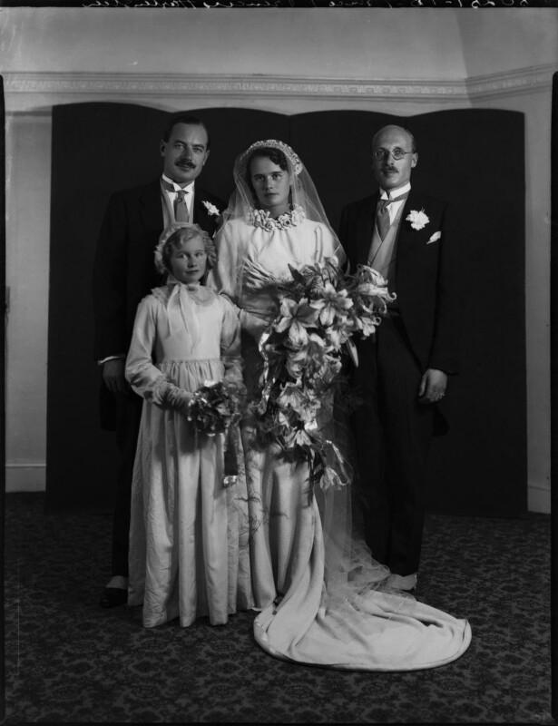 Wedding of Prince Louis von Schönburg-Hartenstein and Princess Dilys Schonburg-Hartenstein (née Marten), by Bassano Ltd, September 1935 - NPG x158256 - © National Portrait Gallery, London
