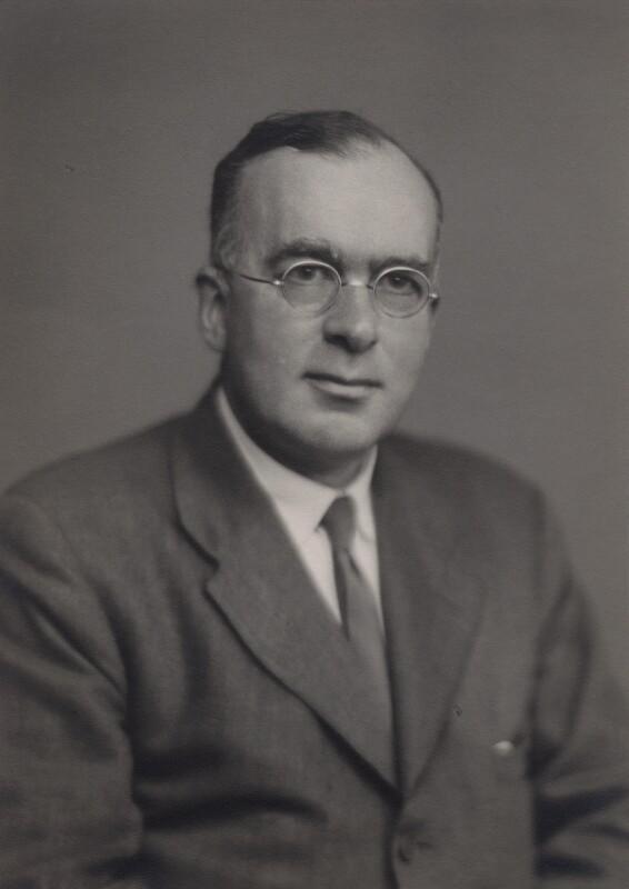 Douglas Rayner Hartree, by Walter Stoneman, May 1944 - NPG x169645 - © National Portrait Gallery, London
