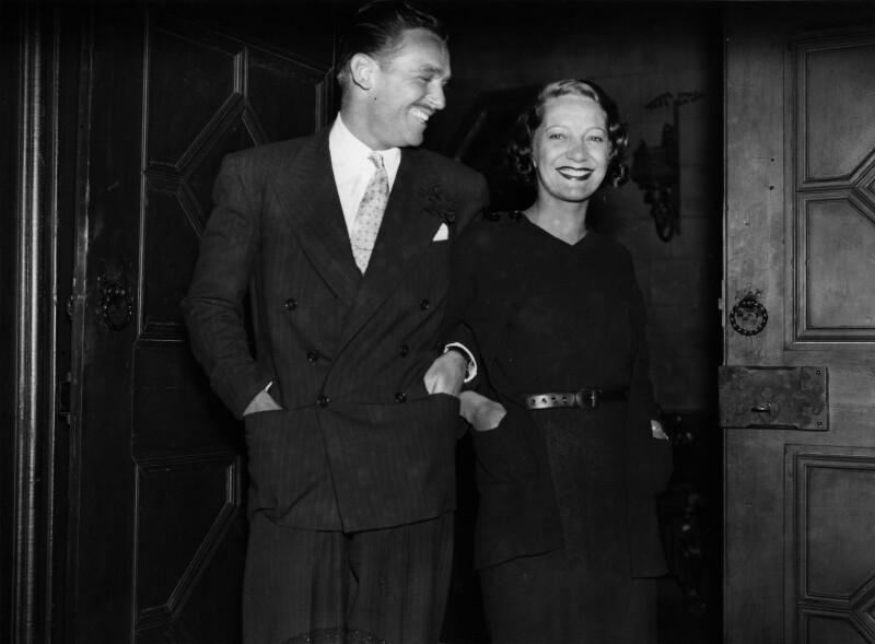 Douglas Fairbanks Jr; Gertrude Lawrence, by George Woodbine, for  Daily Herald, 19 August 1934 - NPG x136409 - © Science & Society Picture Library / National Portrait Gallery, London