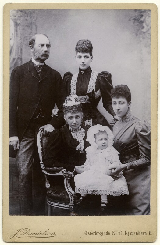 Alexandra of Denmark with members of her family, by J. Danielsen, after  W. & D. Downey, (1893) - NPG x136645 - © National Portrait Gallery, London
