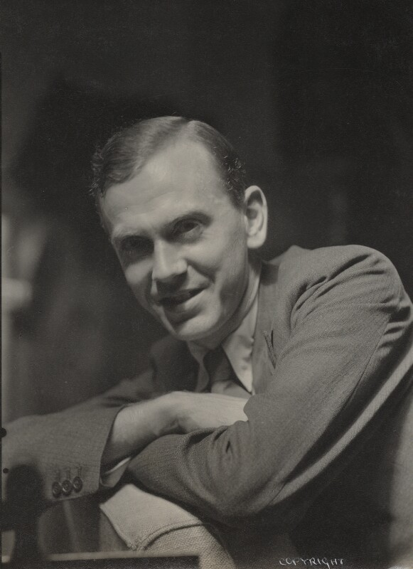 Graham Greene, by Howard Coster, 1930s - NPG Ax136135 - © National Portrait Gallery, London