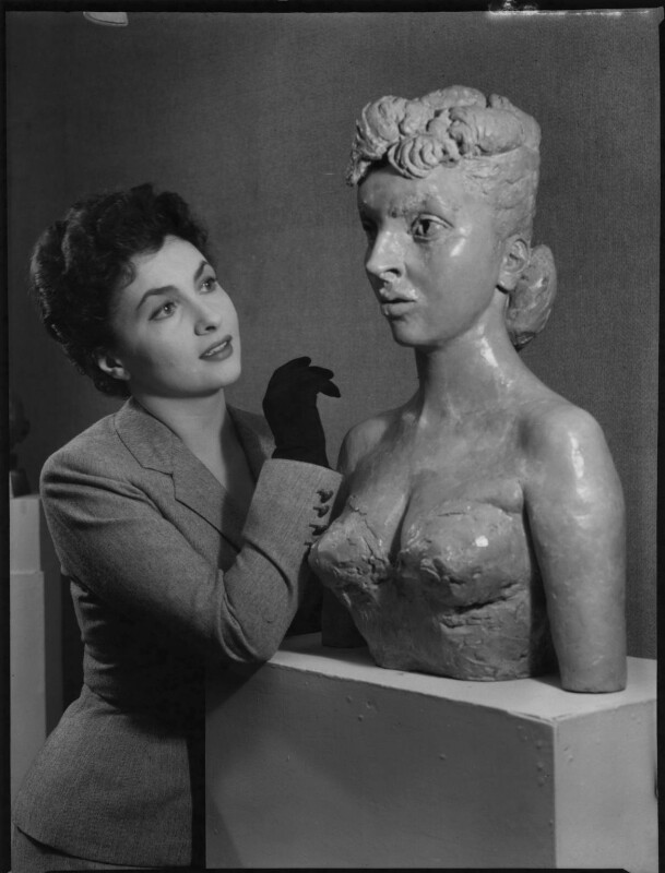 Gina Lollobrigida with her bust by Sir Jacob Epstein, by Ida Kar, 1952 - NPG x136765 - © National Portrait Gallery, London