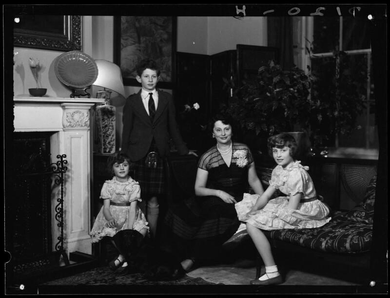 Lady Killearn with her children, by Navana Vandyk, 15 January 1953 - NPG x98771 - © National Portrait Gallery, London
