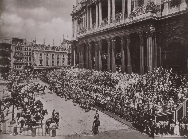 Queen Victoria's Diamond Jubilee Procession - In front of St Paul's Cathedral, by London Stereoscopic & Photographic Company, 22 June 1897 - NPG P1700(28) - © National Portrait Gallery, London
