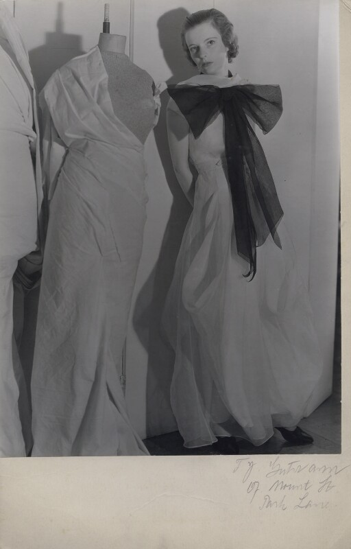 Unknown fashion model, by Francis Goodman, circa 1935 - NPG x137228 - © National Portrait Gallery, London